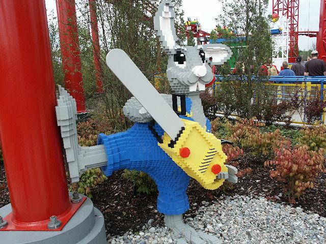 Кролик с бензопилой в немецком Леголэнде