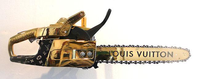 Золотая гламурная бензопила Louis Vuitton